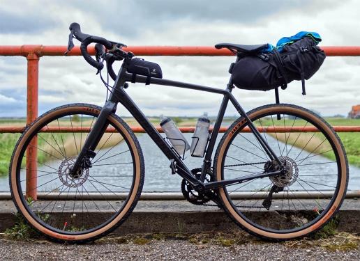bikepacking-stockpic